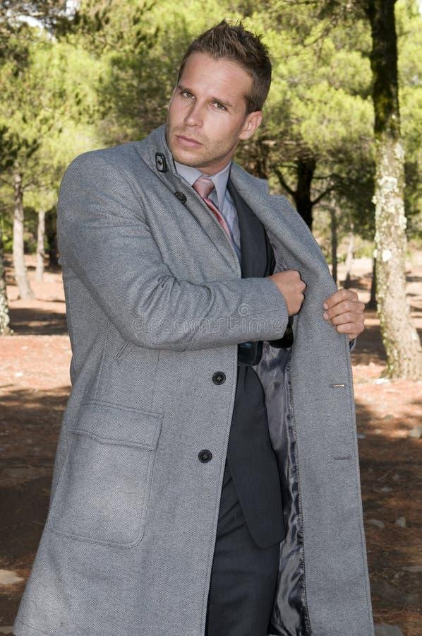 piękny elegancki lasowy mężczyzna obraz stock