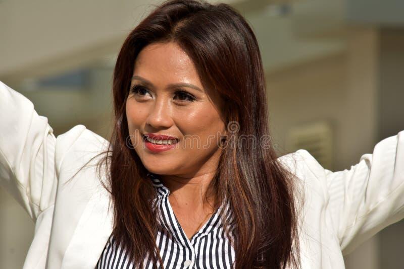 Piękny filipinka Biznesowa kobieta I wolność zdjęcie stock