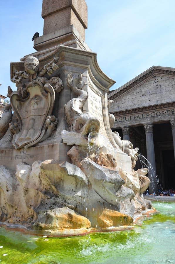 Piękny Fontana Del Panteon na piazza della Rotonda w Rzym, Włochy zdjęcia stock