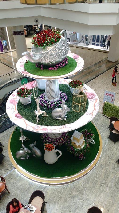 Piękny herbata kram z kwiatami all over obraz royalty free