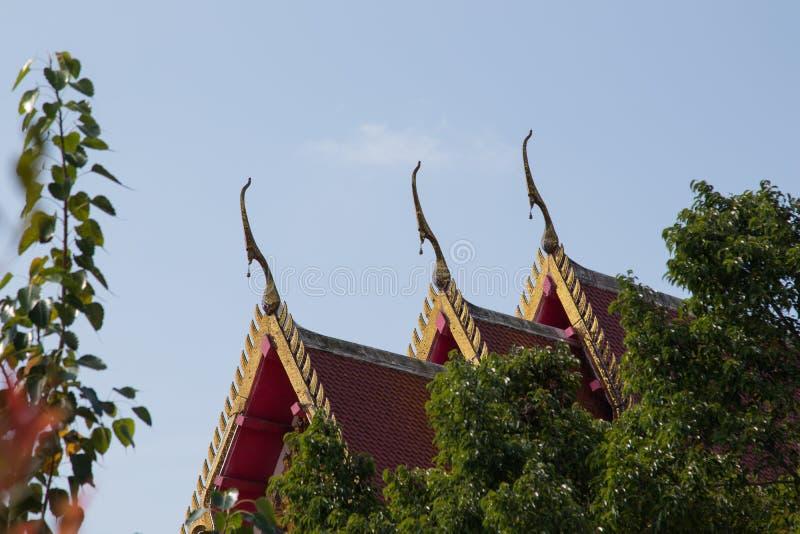 Piękny i antykwarski dach Tajlandzka świątynia fotografia royalty free