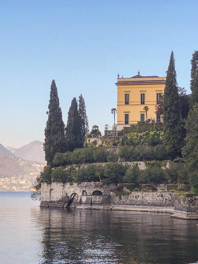 Piękny jeziorny Como Italy sceniczny widok breathtaking zdjęcie stock
