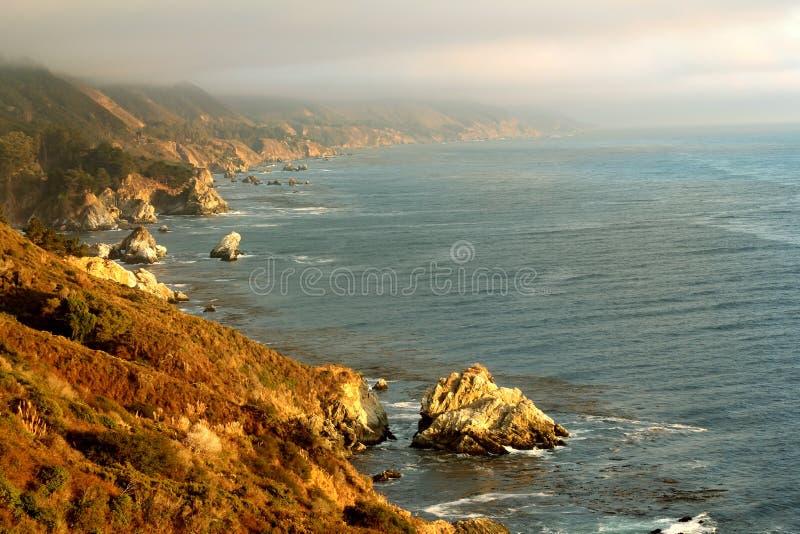 Download Piękny Kalifornia wybrzeże zdjęcie stock. Obraz złożonej z lookout - 28953808