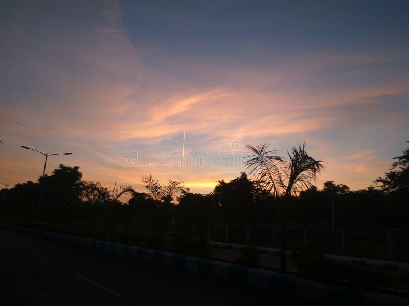 Piękny klimat w zachodzie słońca wieczorem zdjęcia stock