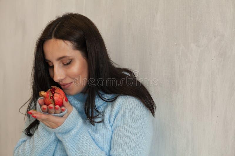 Piękny kobieta w ciąży brzucha narodziny rodziny szczęście zdjęcia stock