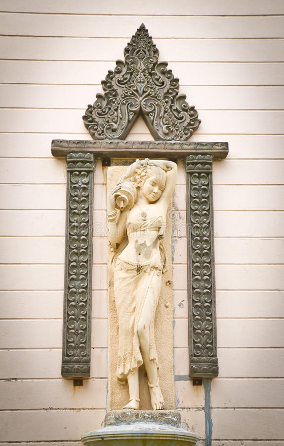 piękny kobiety statuy kamień obraz stock