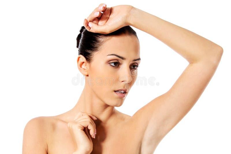 Piękny kobiety twarzy zakończenie w górę studia Odizolowywający na bielu zdjęcie stock