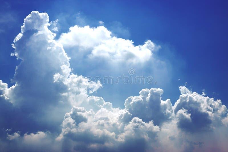 Piękny kolor niebo, biel chmura, cień, lato, backgrounu zdjęcia stock
