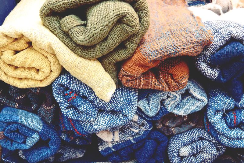 Piękny kolor organicznie handmade, przędza, surowa dla bawełnianego jedwabiu obraz stock