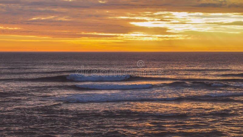 Piękny kolorowy zmierzch przy plażą w Margaret rzece, zachodnia australia fotografia royalty free