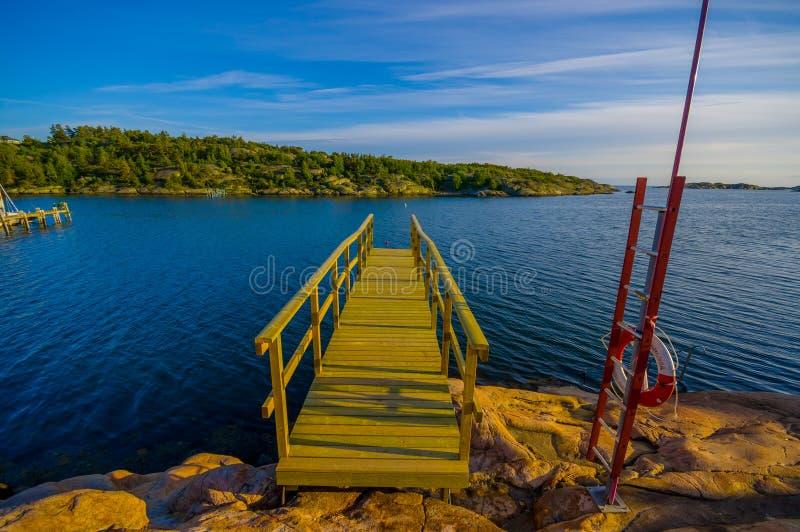 Piękny krajobraz dok w Szwedzkim zachodzie zdjęcie royalty free