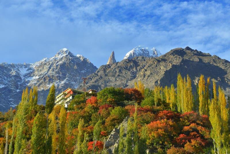 Piękny krajobraz Hunza dolina w jesień sezonie fotografia royalty free