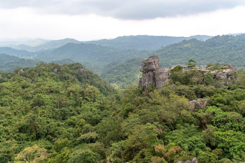 Piękny krajobraz przy Masungi Georeserve, Rizal fotografia stock