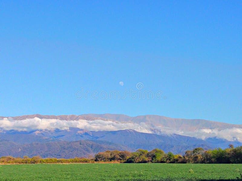 Piękny krajobraz z księżyc zdjęcia royalty free