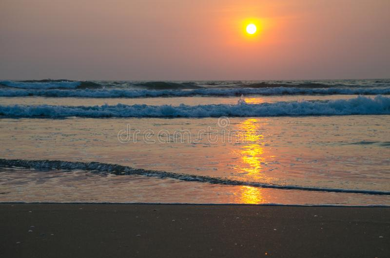 Piękny krajobraz zmierzch na seashore zdjęcia stock