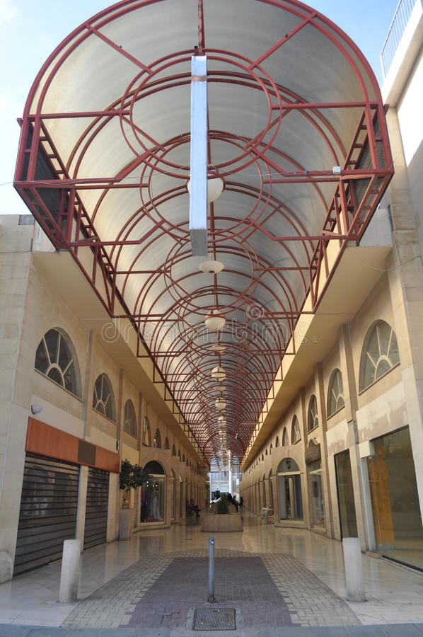 Piękny mały centrum handlowego centrum Limassol w Cypr obrazy stock
