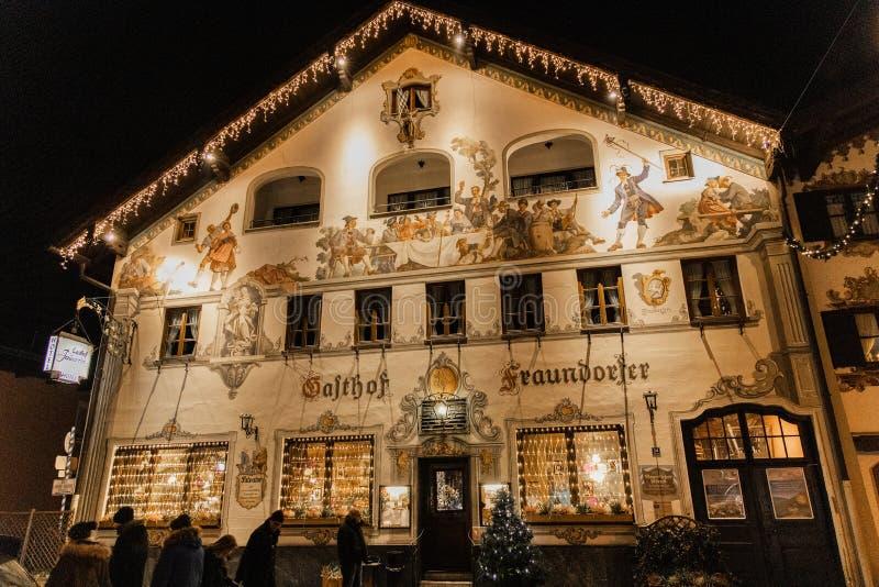 Piękny malujący dom w Garmisch zdjęcia stock