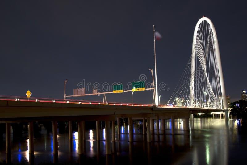 Piękny Margaret polowania wzgórza most przy nocą obrazy stock
