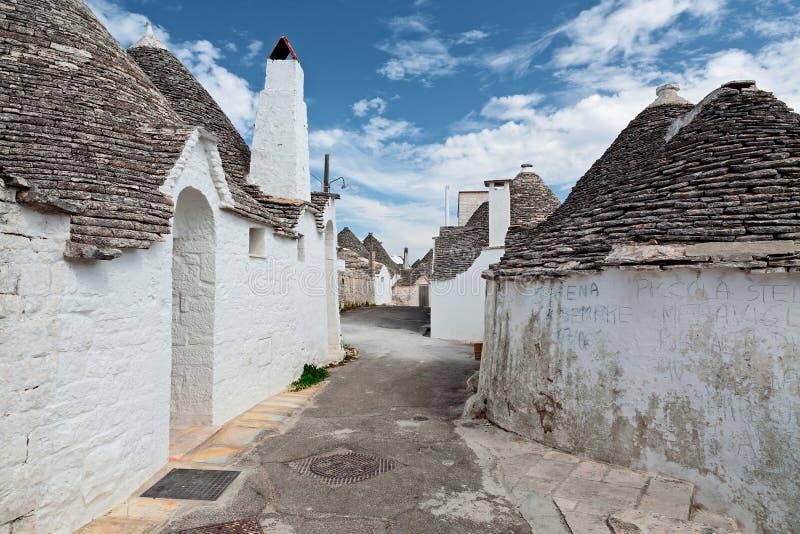 Piękny miasteczko z Trulli domami w Alberobello, Puglia, Włochy zdjęcia stock