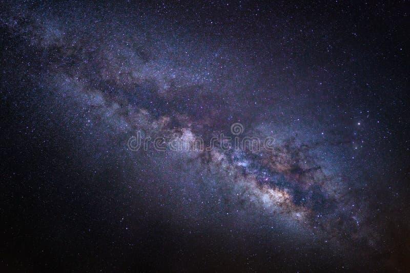 Piękny milkyway na nocnym niebie, Długa ujawnienie fotografia zdjęcia royalty free