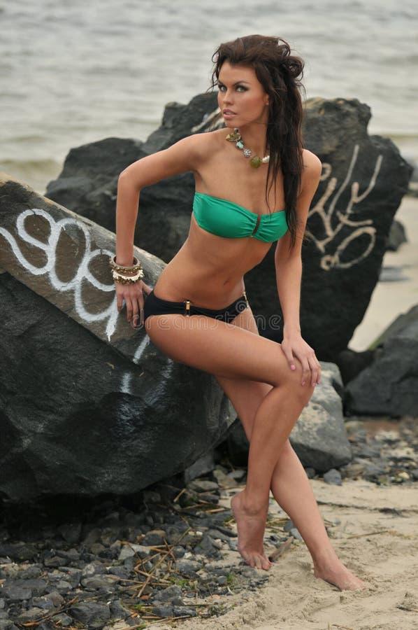 Piękny mody swimsuit model z splendoru makijażem zdjęcia royalty free