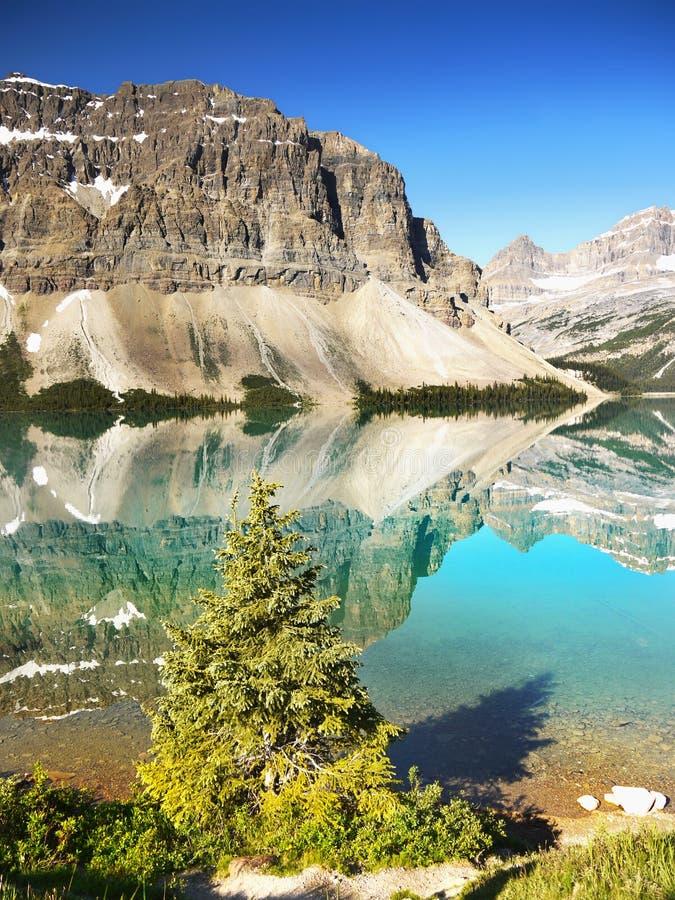 Piękny Morena jezioro, Kanadyjskie Skaliste góry, Banff park narodowy, Alberta, Kanada zdjęcia royalty free