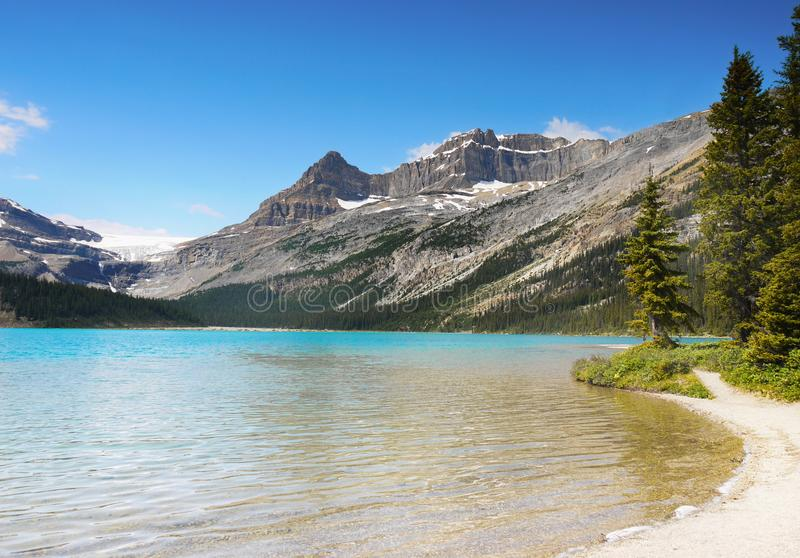 Piękny Morena jezioro, Kanadyjskie Skaliste góry, Banff park narodowy, Alberta, Kanada zdjęcia stock