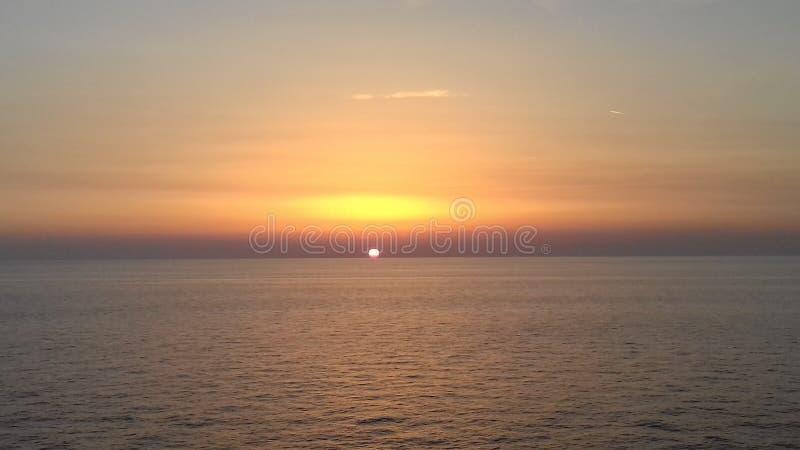 piękny morze i zadziwiający niebo zdjęcie stock