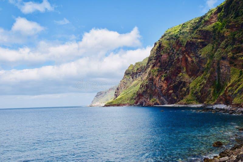Piękny morze na maderze obraz stock