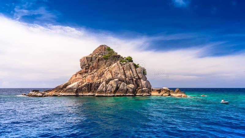 Piękny morze przy tropikalną wyspą, Koh Tao zdjęcie stock