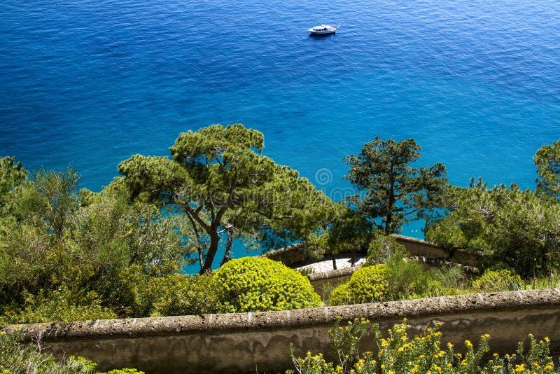 Piękny morze w Capri, Włochy - obraz stock