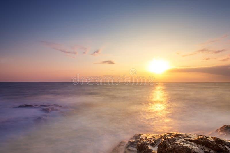 piękny nad dennym wschód słońca fotografia royalty free