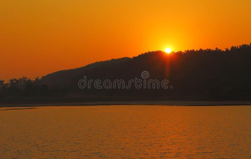 Piękny naturalny widok wschodu słońca czas obraz royalty free