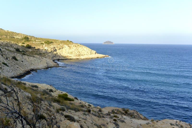Piękny niebo i morze z wyspą hiszpański wybrzeże obrazy stock
