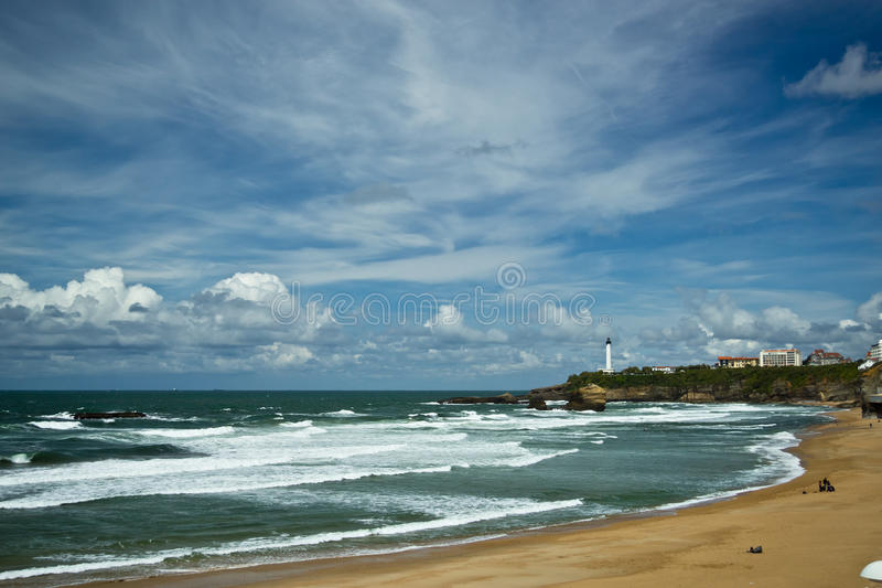 Piękny niebo nad miasteczkiem Biarritz, Francja obraz royalty free