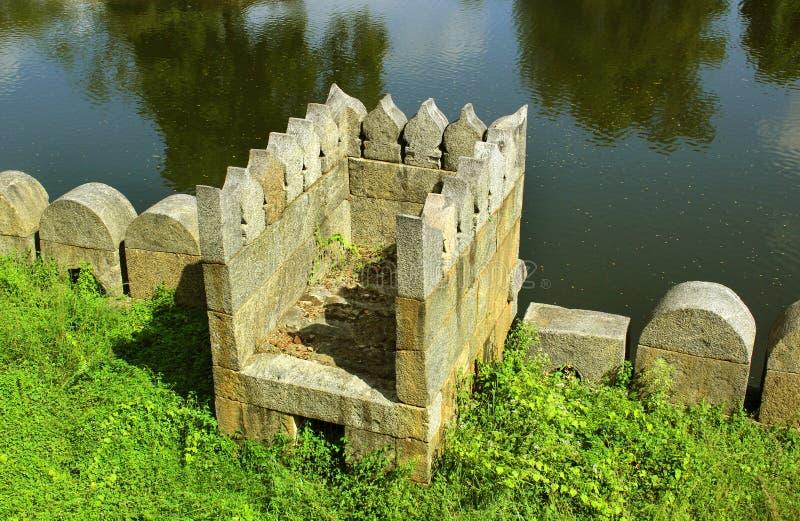 Piękny ornamentacyjny battlement z okopem zdjęcie stock
