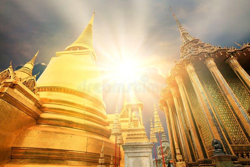 Piękny pałac wielkiego pałacu jeden z najpopularniejszych miejsc podróży w tajlandii bangkok obraz royalty free