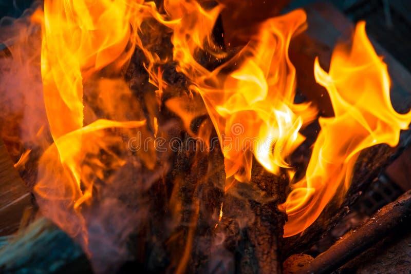 Piękny palenie ogienia płomienia tło fotografia stock