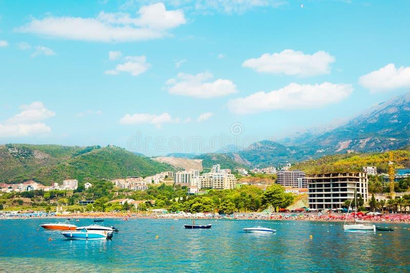 Piękny panoramiczny krajobraz Becici i Rafailovici, Montene fotografia stock