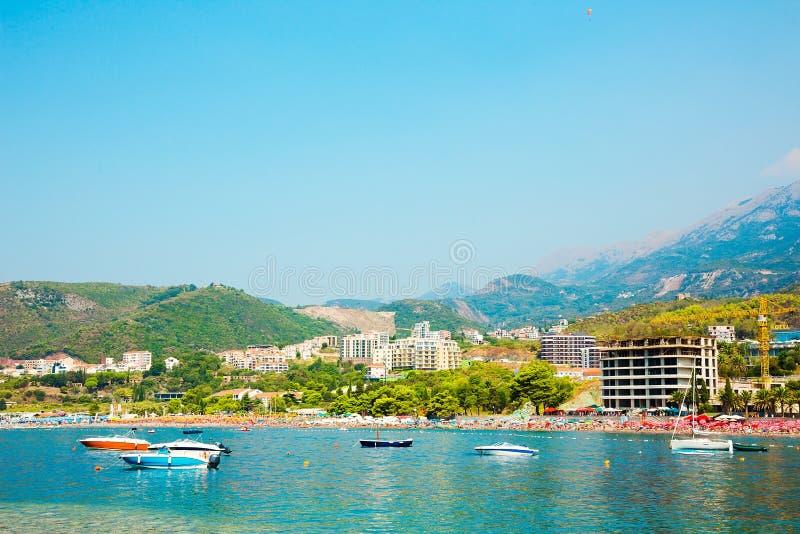 Piękny panoramiczny krajobraz Becici i Rafailovici, Montene zdjęcie royalty free