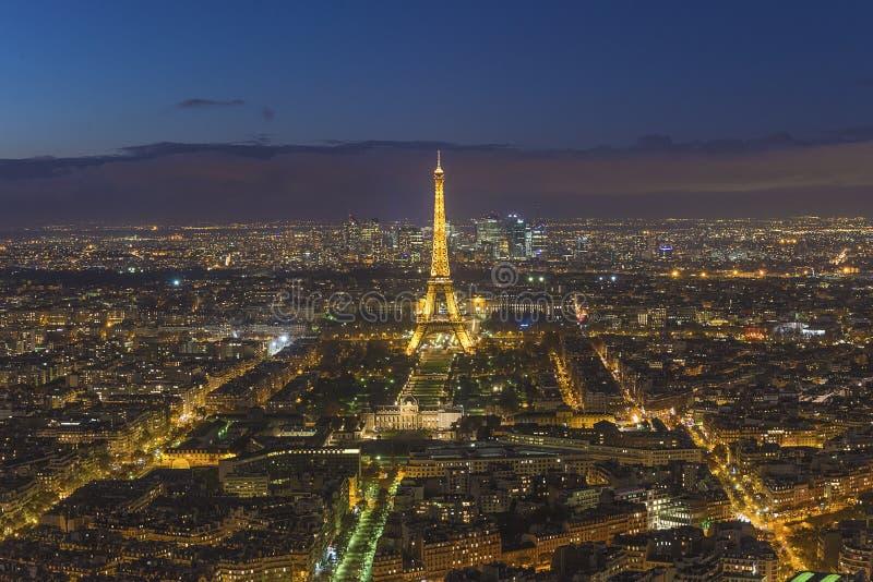 Piękny panoramiczny widok Paryż z wieżą eiflą nocą zdjęcie stock