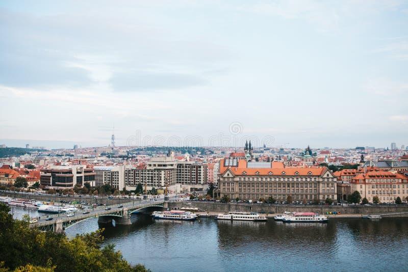 Piękny panoramiczny widok Praga jest kapitałem republika czech Praga jest jeden ulubeni Europejscy miasta zdjęcie stock