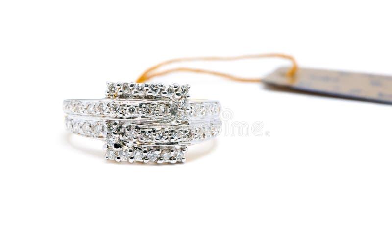 Piękny platyna pierścionek z diamentem odizolowywającym obrazy stock
