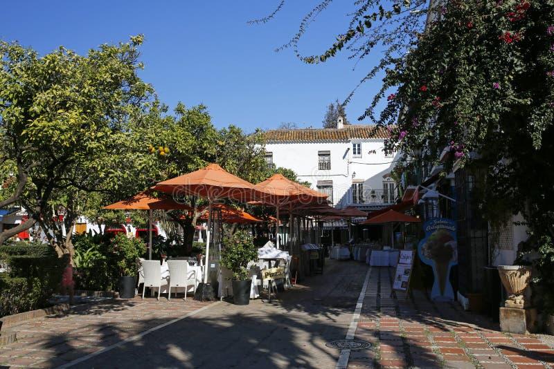 Piękny pomarańcze kwadrat Plac De Los Naranjos w Marbella, Andalusia, Hiszpania zdjęcia royalty free