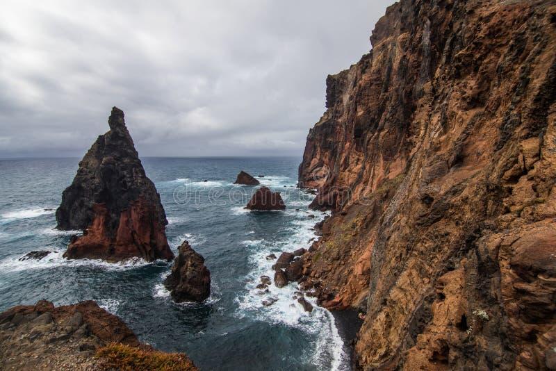 Piękny Ponta De Sao Lourenco popularny trekking, wycieczkować i chodzić ślad na madery wyspie, zdjęcie stock