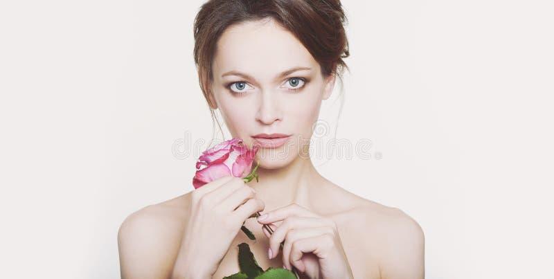 PiÄ™kny portret piÄ™knej kobiety zdjęcie royalty free