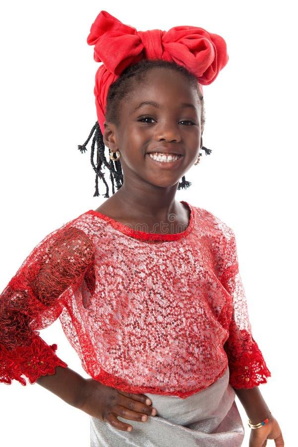 Piękny portret szczęśliwy małej dziewczynki ono uśmiecha się odosobniony obraz royalty free