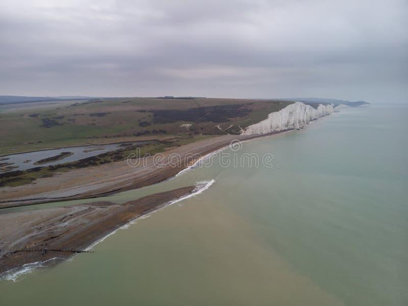 Piękny powietrzny truteń fotografii krajobrazu wizerunek Siedem siostr na Angielskim południowym wybrzeżu zdjęcia stock