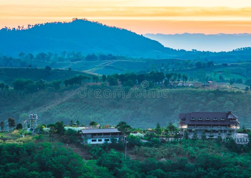 Piękny ranek góry krajobrazu widok przy Khao Kho, Tajlandia obrazy stock