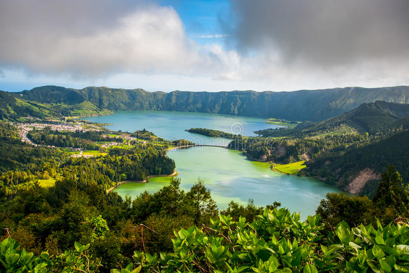 Piękny sceniczny krajobraz od Azores Sao Miguel wyspy Sete Sete Cidades zdjęcie royalty free